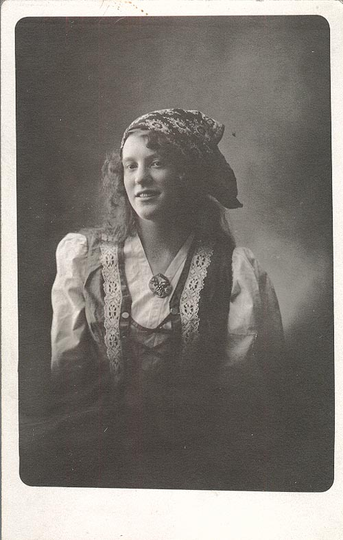 Photograph of Janie Lundeen Grinde
