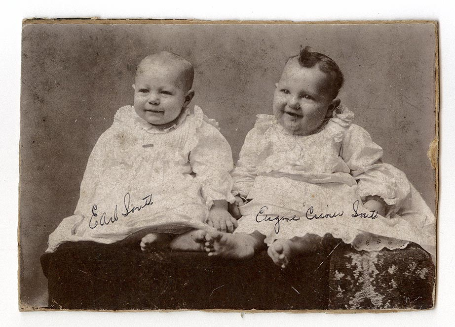 Photograph of Earl and Eugene South
